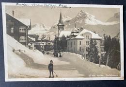 Arosa Dorfstrasse Mit Skifahrer - GR Grisons