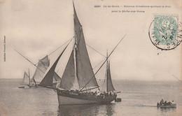 Cpa Ile De Groix. Bateaux Grésillons Quittant Le Port Pour La Peche Aux Thons - Groix