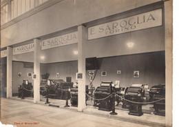 """12889 """" STAND DELLA DITTA SAROGLIA-TORINO-MACCHINE TIPOGRAFICHE-FIERA DI MILANO DEL 1927 """" STUDIO FOTOGR. DARIO GATTI-MI - Plaatsen"""