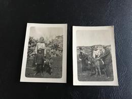 2 X Photos - 1921 - Le Puits Romain NABEUL (Tunisie) Enfants Ducastel Sur Chevre & Anes - Places
