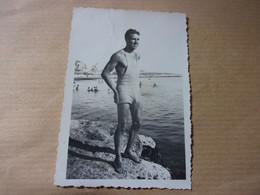 NUDE Men Gay Hommes Muscles Swimwear Big Bulge Man Maillot De Bain Plage Nus Snapshot - Sin Clasificación