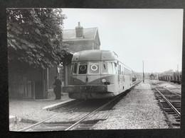 Photographie Originale De J.BAZIN :C.F.secondaires Du Nord-Est : Ligne HAM : Gare De RIBEMONT En 1955 - Trains