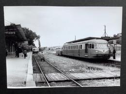 Photographie Originale De J.BAZIN: CF  Secondaires Du NORD- EST : Ligne HAM- ST QUENTIN - GUISE : Gare De GUISE En 1952 - Trains