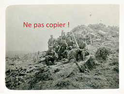 PHOTO ALLEMANDE - SOLDAT A LA COTE 304 PRES BETHINCOURT - MORT HOMME MEUSE - GUERRE 1914 1918 - 1914-18