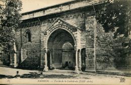 CPA - EMBRUN - PORCHE DE LA CATHEDRALE (IMPECCABLE) - Embrun