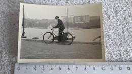 Foto  Marineoffizier Auf Fahrrad Uniformen Marinedolch Dolch Kriegsmarine Marine Militär 2 WK - 1939-45