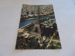 EN AVION SUR PARIS 75  LA TOUR EIFFEL  1966 FLAMME RUEIL MALMAISON - Tour Eiffel