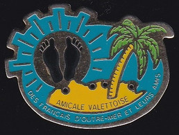 71969- Pin's-les Français Rapatriés D'Algérie Et Les Pieds Noirs.La Valette-du-Var - Associations