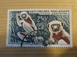 MADAGASCAR  Poste Aerienne  250 Francs - Madagascar (1960-...)