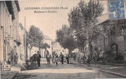 LEZIGNAN-CORBIERES - Boulevard Danton - Cheval - Publicités Mobiloil, Dubonnet - Andere Gemeenten