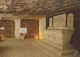 PARIS        H972        Les Catacombes De Paris.La Crypte Du Sacellum - Otros