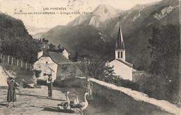 64 Village D' Aos Aas Eglise Cpa Les Pyrénées Environs Des Eaux Bonnes , Oie Oies - Sonstige Gemeinden