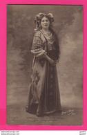 CPA (Réf: Z 3634) (SPECTACLE ARTISTES) OPÉRA FEMME BLANCHE LAMARE Dans SNEGOUROTCKA - Artisti
