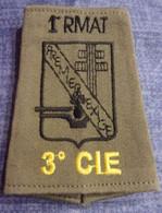 Passant 3° Compagnie 1er Régiment Du Matériel - RMAT - Croix De Lorraine - Uniformes