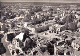 52 - SAINT DIZIER / VUE AERIENNE SUR LA PLACE D'ARMES ET RUE GAMBETTA - Saint Dizier