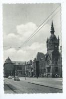 Trazegnies Hôtel De Ville Et Ecole Moyenne ( Vw Cox ) - Courcelles