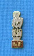 1 PIN'S //  ** PIN-UP / IMAGINE ** - Pin-ups