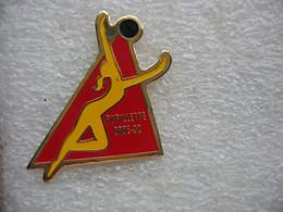 Pin's De L'Association Vaudoise De Gymnastique Féminine, Pupillette à ORBE (Canton De Vaud, Suisse) En 92 - Ginnastica
