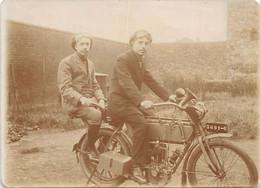 Thème:   Motocyclette  Scooter :   Un Motocyclette   Photo   A Identifier   (voir Scan) - Altri