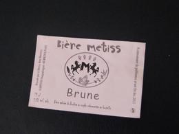 """1 Etiquette Bière Du Burkina Faso  """"  Bière Métiss """"  Au Surgho - Birra"""