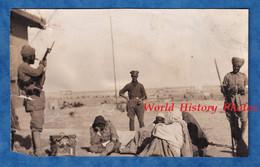 Photo Ancienne - MERSA MATRUH , Egypte - Groupe De Soldat Bédouin & Garde Militaire Indien - Fusil Front Indian Sikhs ? - Oorlog, Militair
