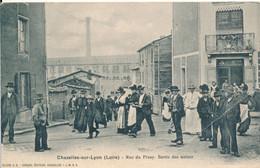Chazelles Sur Lyon (42 Loire) Rue Du Pinay Sortie Des Usines - Ouvriers 1905 - édit. JMBD - Other Municipalities