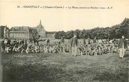 CHASSE A COURRE CHANTILLY LA MEUTE PARTANT AU RENDEZ VOUS  1930 - Hunting