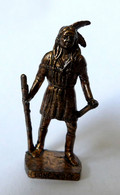 FIGURINE KINDER  METAL  INDIEN I - 5 LONE WOLF (2) Cuivre - KRIEGER Berümmte Indianer-Häuptlinge (2) - Figurine In Metallo