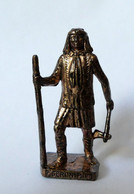 FIGURINE KINDER  METAL  INDIEN I - 7 GERONIMO (3) Cuivre - KRIEGER Berümmte Indianer-Häuptlinge (2) - Figurine In Metallo