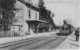 BROYE 71 Arrivée De L'express En Gare - Andere Gemeenten