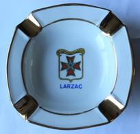 Rare Beau Cendrier En Porcelaine 37e Compagnie De Camp Larzac La Cavalerie Militaria - Autres
