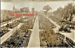CARTE PHOTO ALLEMANDE - CIMETIERE MILITAIRE A LOCALISER NORD - PAS DE CALAIS - VOIR EGLISE - GUERRE 1914 - 1918 - Guerre 1914-18