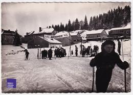 CPSM Lamoura Jura - Ski Sports D' Hiver Arrivée Belle Animation Skieur A43-17 - Sonstige Gemeinden