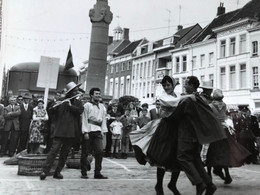 Breda 1953 Veemarktstraat Ars Longa Feesten Folklore Fête Folklorique Hollande Schoolboekhandel 5 - Breda