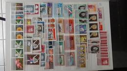 V66 Collection De Russie En Timbres Et Blocs ** Et Oblitérés. A Saisir !!! - Collections (with Albums)