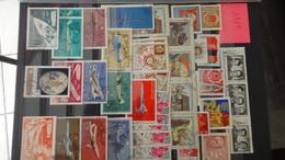 V67 Collection De Russie En Timbres Et Blocs ** Et Oblitérés. A Saisir !!! - Collections (with Albums)