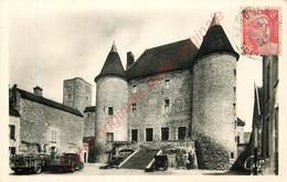 77.  NEMOURS . La Façade Du Château . - Nemours
