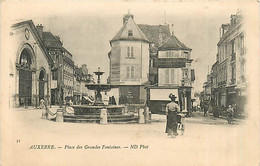 89* AUXERRRE  Place Grandes Fontaines         MA97,1224 - Auxerre