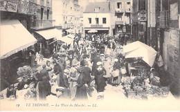 COMMERCE Foires & Marchés - 76 - LE TREPORT La Place Du Marché ( Belle Animation ) CPA Village - Seine Maritime - Mercati