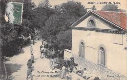 COMMERCE Foires & Marchés - 42 SURY Le COMTAL Le Champ De Mars Un Jour Du Marché - CPA Village (6.280 H) Seine Maritime - Mercati