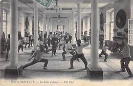 MILITARIA - 78 - ECOLE De SAINT CYR ( Sport Escrime ) La Salle D'Armes - CPA - - Andere