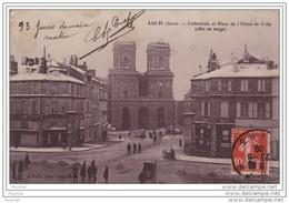 32) AUCH (Gers)  Cathédrale Et Place De L´Hôtel De Ville (effet De Neige) - Auch