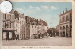 16 - Carte Postale Ancienne De  RUFFEC     Place Du Marché - Ruffec
