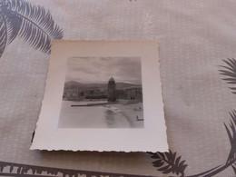P-366 , Photo, Collioure, Les Remparts Et La Plage, 1960 - Places