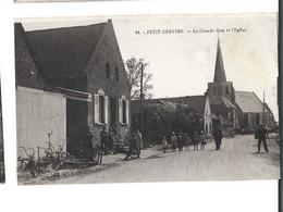 62 - PETIT SERVINS - La Grande Rue Et L'eglise Animée Bon état - Autres Communes