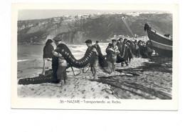 PORTUGAL - NAZARÉ  [ 0168 ] - TRANSPORTANDO AS REDES  PESCA FISHING Angeln Fischen PECHEUR - Leiria