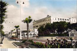 D33  ARCACHON  Le Boulevard Promenade Et Le Grand Hôtel  ..... - Arcachon