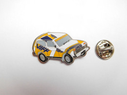 Beau Pin's Pins , Auto Lada Niva , Gaz Carburant VIFF - Altri