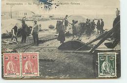 Angola - Mossamedes - Na Praja Amelia, Esquartejando Baleias - Pêche à La Baleine - Angola