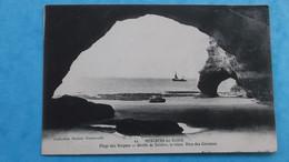 17 : MESCHERS : PLAGE Des VERGNES , GROTTE De TUISTON , Animé , C.P.A.,carte En Bon état - Meschers